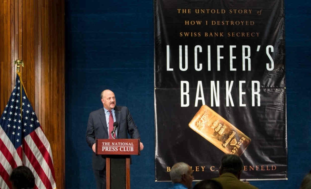 Brad Birkenfeld at the National Press Club, Washington, after the 2016 publication of Lucifer's Banker