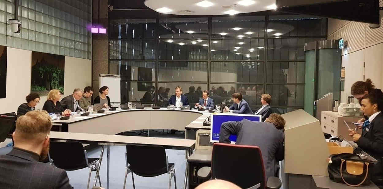 Meeting of accidental Americans with Dutch lawmakers in the Tweede Kamer, The Hague